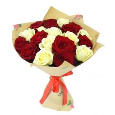 "Bouquet ""19 red and white roses"""