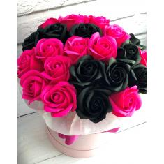"Box of soap roses ""Black and pink"""