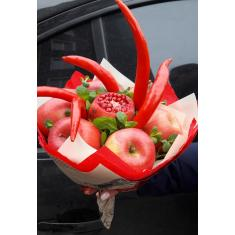"Bouquet of fruits ""Pomegranate miracle"""