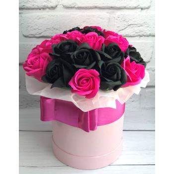 "Box of soap roses ""Black and pink""Box of soap roses ""Black and pink"""