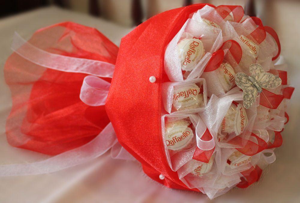 Как сделать самим букет из конфет рафаэлло